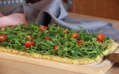 "Rucola-Pizza mit ""Parmesan"""