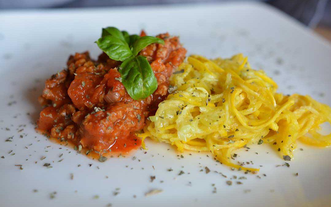 Vegane Bolgonese mit Zucchini-Nudeln